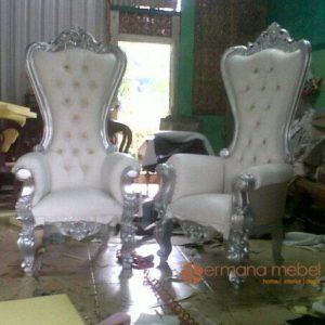 Kursi Wedding Syahrini