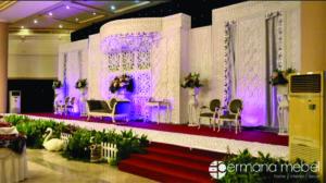 Dekorasi Pernikahan Minimalis Karet