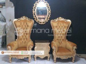 Kursi Ratu Syahrini Gold