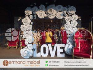 Pintu Masuk Pernikahan Bunga Karet