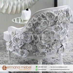 Kursi Mawar Putih Karet Terbaru