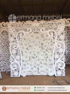 Photo Booth Pernikahan Bunga Karet