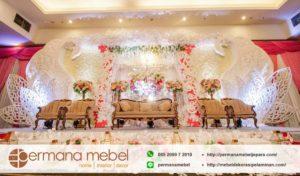 Dekorasi Pernikahan Angsa Karet Terbaru