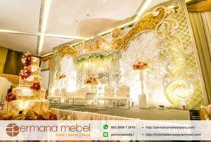 Dekorasi Wedding Mahkota Spon Karet