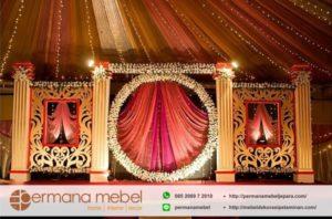 Dekorasi Pernikahan Minimalis Ukir Karet