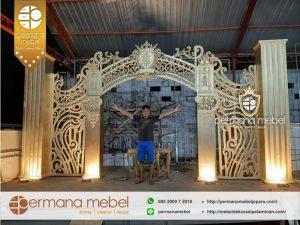 Pintu Masuk Dekorasi Pelaminan Modern Ukir Karet