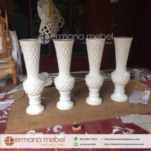 Vas Pot Bunga Nanas Putih