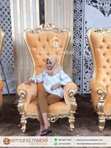 Kursi Pelaminan Ratu Syahrini Gold