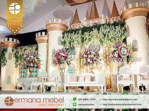 Dekorasi Pernikahan Istana Mewah Modern Karet